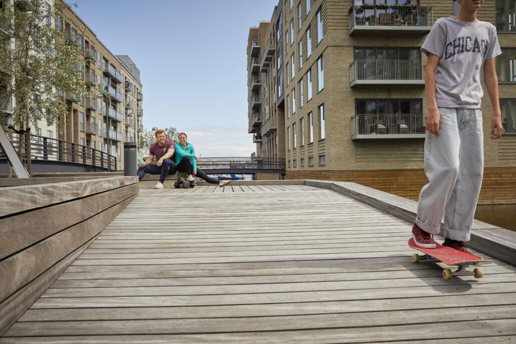Træningsmakkere og en skater på Sluseholmen